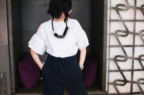 Outfit post: Prolećne vibracije u teget i belim tonovima
